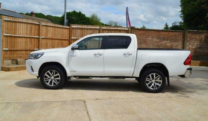 2017 TOYOTA Hilux 2.4 Invincible Euro 6 Double Cab Auto Pick Up DIESEL AUTO full